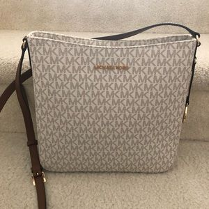 NWT Michael Kors Large Messenger Crossbody